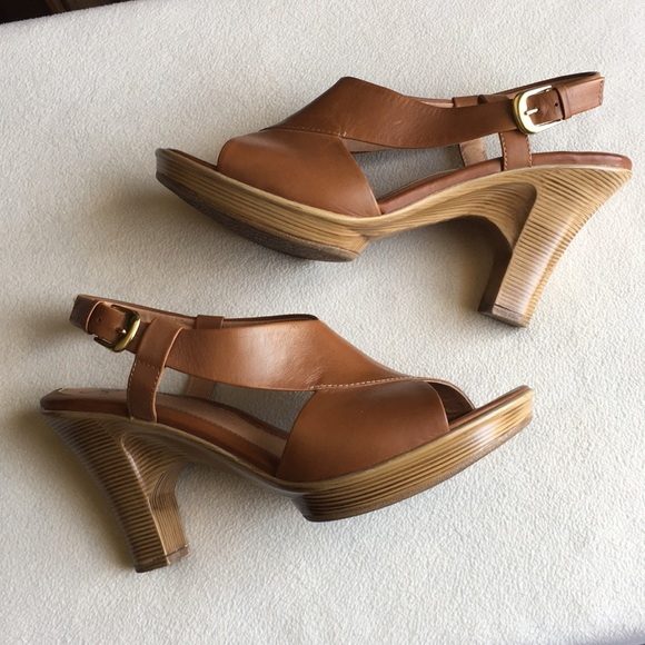 Sofft Shoes - Sofft brown leather heels / sandals size 8.5